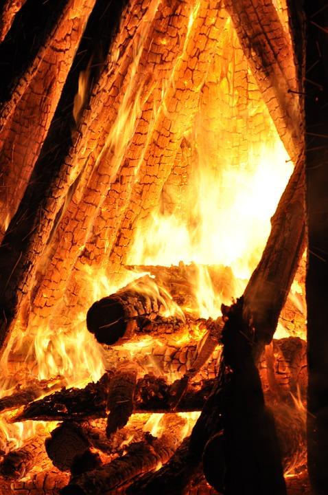 fire-650296_960_720.jpg